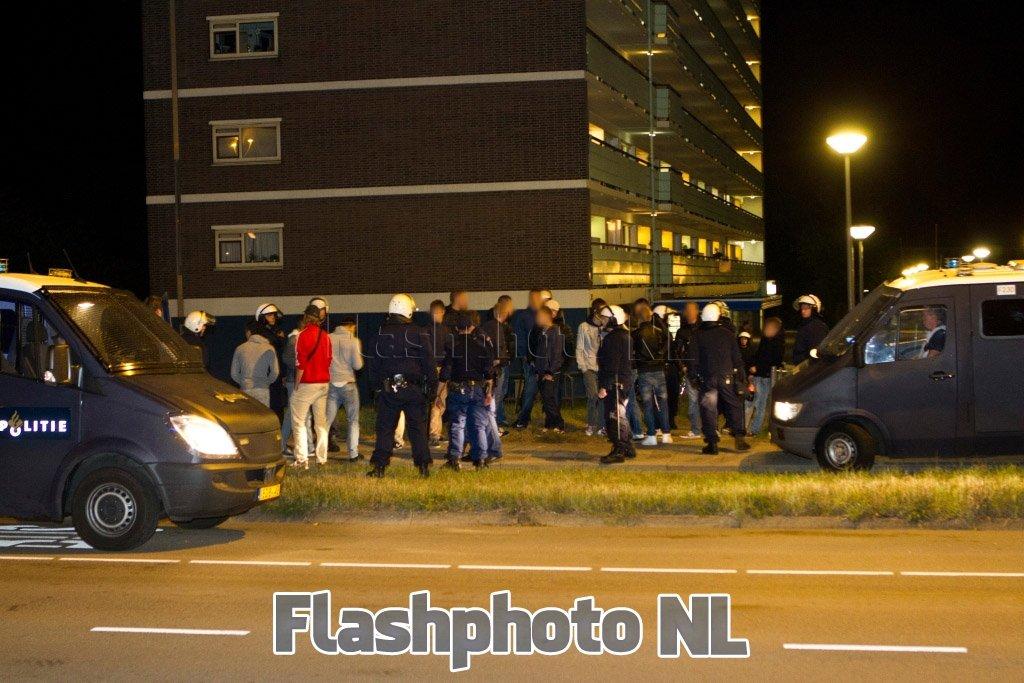 ... jarige jongen uit Schiedam. Meer aanhoudingen worden niet uitgesloten: www.flashphoto.nl/nieuws/739/ME-ingezet-bij-opruiing-ProjectX...