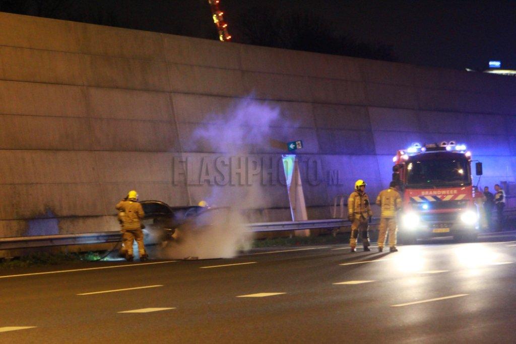 Autobrand op de A4 A4 Schiedam - Flashphoto NL